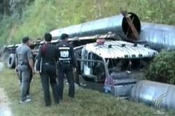 รถบรรทุกเหล็กชนเขาพลิกคว่ำ คนขับเสียชีวิต
