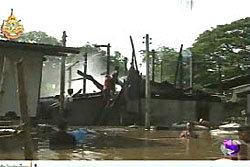 เคราะห์ซ้ำไฟไหม้บ้านผู้ประสบภัยน้ำท่วมลพบุรี