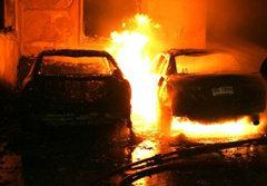 ไฟไหม้บ้านหรูกลางกรุง วอดบ้าน-รถ 4 คัน