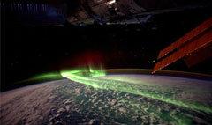 NASA เผยภาพแสงสีเขียวบนเปลือกโลก