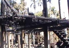 ไฟไหม้บ้านไม้ คลอก 2 ตายายดับในกองเพลิง
