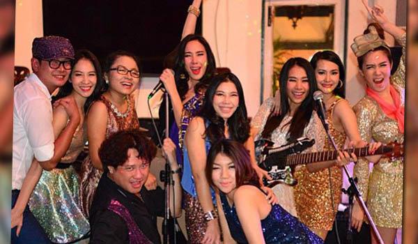 อั้ม พัชราภา สวยวิ้งค์ ปาร์ตี้ปีใหม่กับเพื่อนสาว