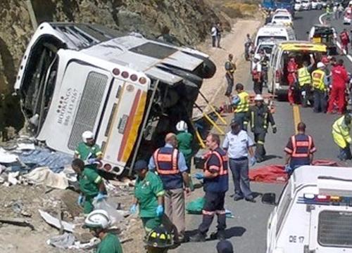รถบัสแอฟริกาใต้ พลิกคว่ำ ตาย 24 เจ็บ 45