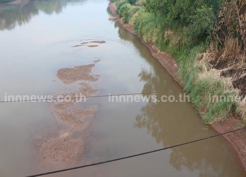 แม่น้ำน่าน เขตพิษณุโลก ลดฮวบ จนเห็นเนิน