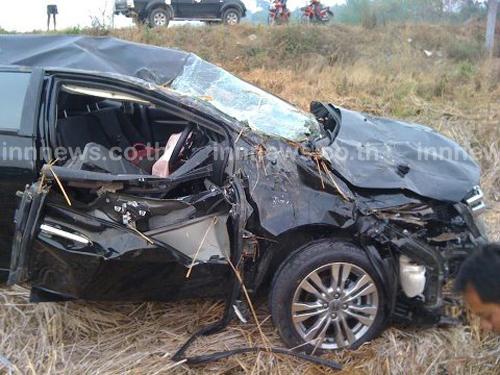 ตาก อุบัติเหตุรับสงกรานต์ 3 วัยรุ่นดับคาเก๋ง