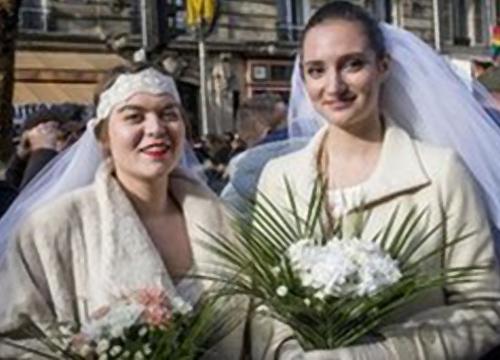 ฝรั่งเศสลงนามกม.คนรักร่วมเพศแต่งงานได้