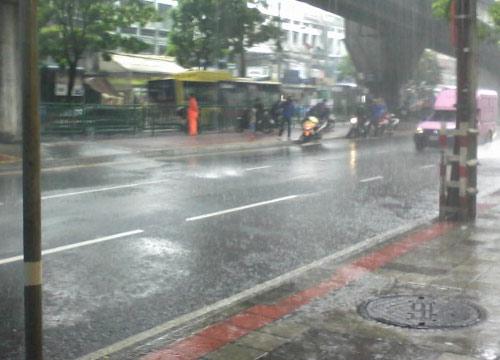 อุตุฯ พยากรณ์อากาศช่วงเย็นฝนตกต่อเนื่อง