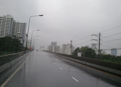 อุตุฯพยากรณ์อากาศเที่ยงวันฝนยังตกต่อเนื่อง
