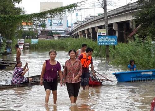 น้ำทะลักท่วม4ชุมชนวารินชำราบ100ครัวเรือน