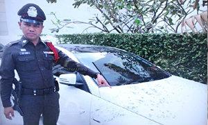 """""""แตงโม"""" ไม่รู้รถถูกสาดน้ำกรด ยังไม่แจ้งความ"""