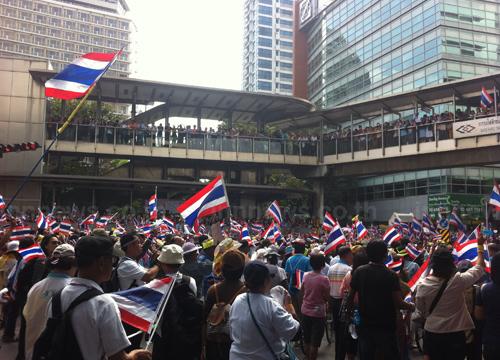 สื่อตปท.เผยไทยเตรียมจนท.1.5หมื่นรับมือประท้วง