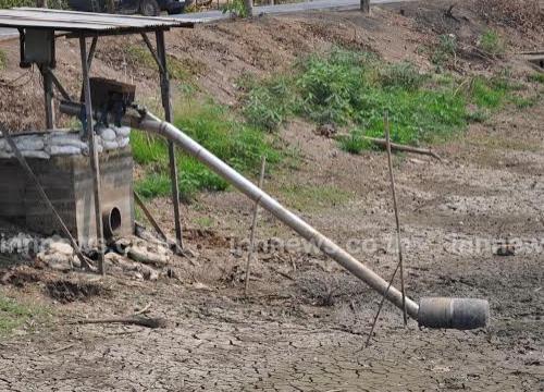 ชาวบึงกาสามปทุมธานีขาดน้ำทำการเกษตร