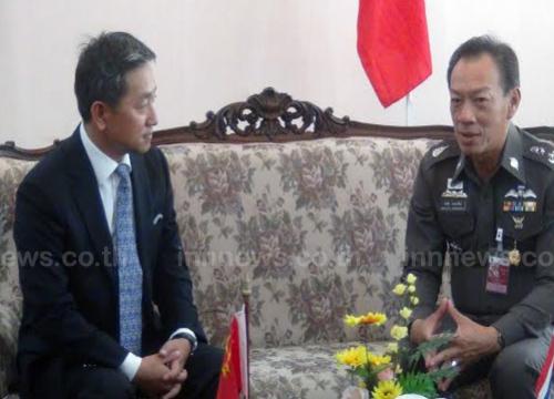 อุปทูตจีนตรวจชาวต่างด้าวที่ถูกจับกุมที่สงขลา