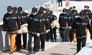 ยอดตายเซวอลล่ม 99 ศพ นักประดาน้ำเผยหมดหวังเจอผู้รอดชีวิต