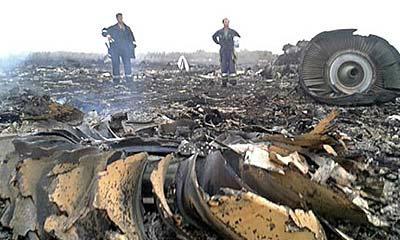 กบฏยูเครนชิงศพเหยื่อ MH17ลงรถไฟ