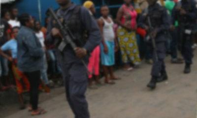วัยรุ่นไลบีเรียถล่มศูนย์กักกันอีโบลา ผู้ป่วยหนี 17 ราย