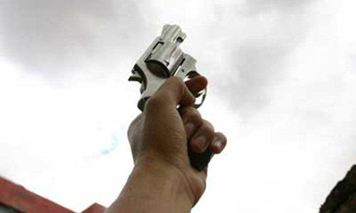 หนุ่ม 19 ยิงปืนใส่โรงเรียนดังโคราช ช้ำรักสาวบอกเลิก