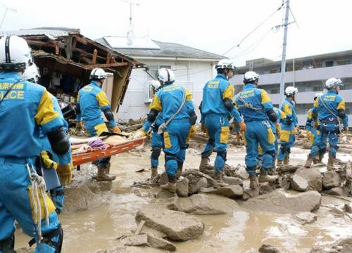 ฝนถล่มฮิโรชิม่าดินสไลด์ทับบ้านปชช.ดับแล้ว36