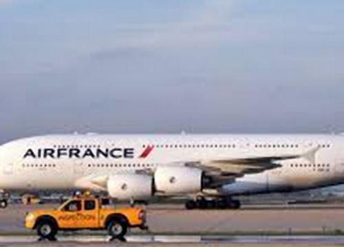 ฝรั่งเศสสั่งระงับเที่ยวบินไปปท.เกิดโรคอีโบลา