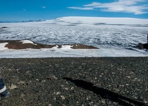 ภูเขาไฟไอซ์แลนด์ปะทุพุ่งขึ้นฟ้า 1,500เมตร