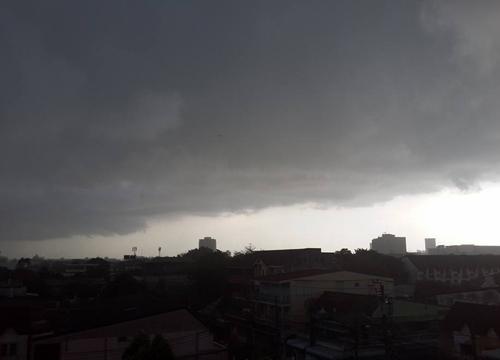 อุตุฯ เผย บ่ายนี้ไทยฝนยังตกชุก - กทม. 70%