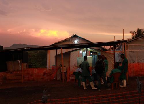 สธ.ชี้ไม่มีผู้ติดเชื้ออีโบลาในไทย-เฝ้าระวัง