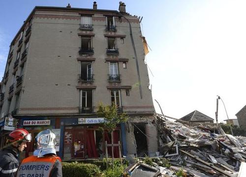 อพาร์ตเมนต์ปารีสถล่มดับ1เจ็บ4คาดแก๊สระเบิด