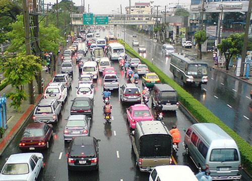 บก.จร.สรุปจร.เช้าวันจันทร์ฝนตกทั่วกรุงรถติด