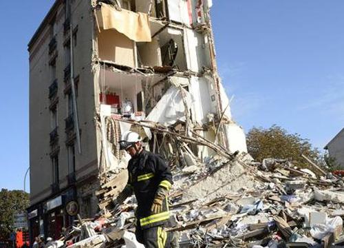 คืบหน้าตึกถล่มกรุงปารีส พบเหยื่อเพิ่ม 4 ราย