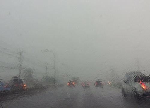อุตุฯเผยทั่วไทยยังมีฝนหนัก กทม. ร้อยละ 60