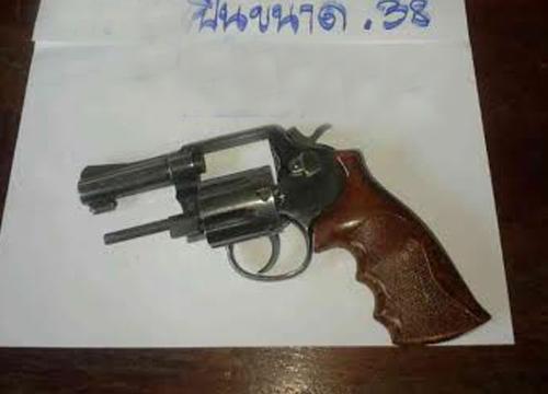 ปืนลั่นใส่ตัวเองดับขณะทดสอบเตรียมขายให้เพื่อน
