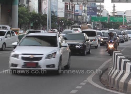 ถนนพัฒนาการถึงแยกเอกมัย-เพชรบุรีรถติด