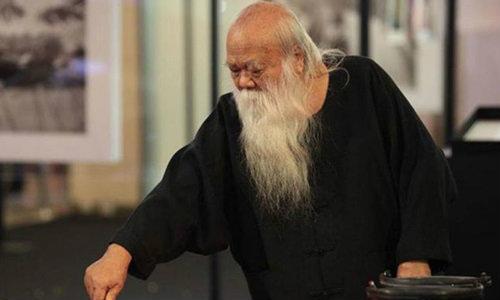 ถวัลย์ ดัชนี ศิลปินแห่งชาติทัศนศิลปิน เสียชีวิตในวัย 74 ปี