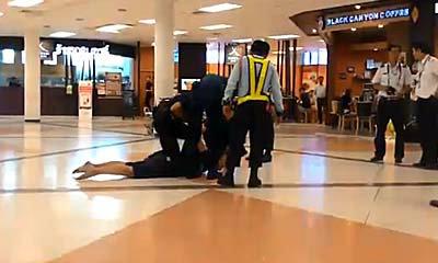 หนุ่มคลั่งกลางสนามบินเชียงใหม่ ตะโกนลั่นมีคนตามฆ่า