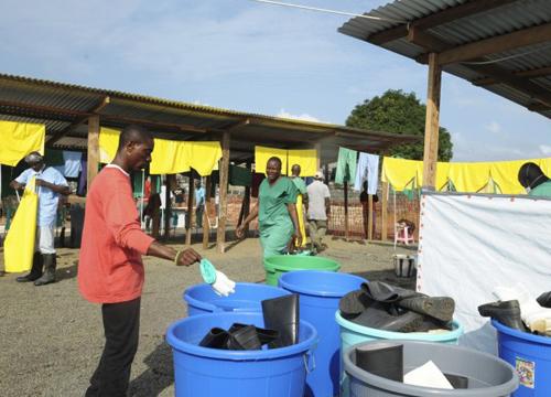 แพทย์คุมอีโบลาถูกสังหารในประเทศกินี8ราย