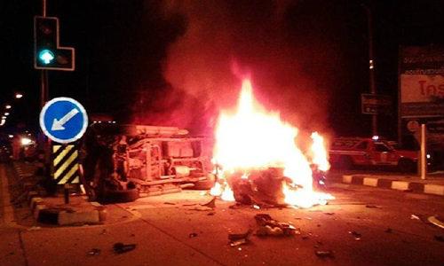"""""""โคราช"""" รถชน 4 คันรวด เจ็บระนาว รถเกิดไฟลุกไหม้ จนท.ดับไม่ทัน คลอกสาวดับ"""