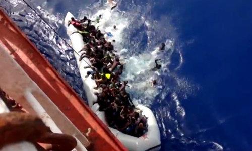 เรือไทยช่วยผู้ประสบภัยเรือล่มกลางทะเลเมดิเตอร์เรเนียน รอด 55 ตาย 40 ราย