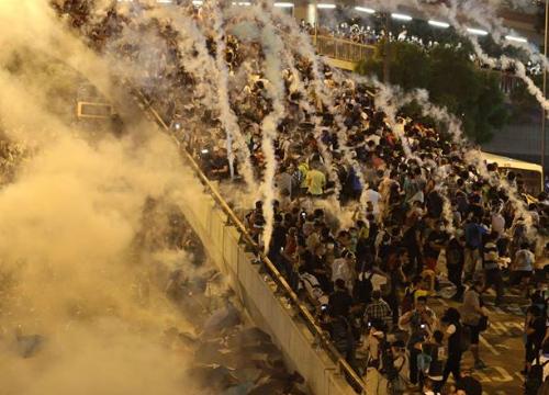 ประท้วงฮ่องกงไม่สนวันชาติจีน-รับมือขอคืนพท.