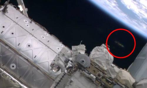 วิจารณ์แซ่ด! ยูเอฟโอ โผล่ติดกล้องสถานีอวกาศนาซ่า