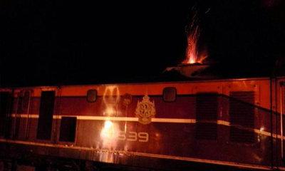 ระทึก! เพลิงไหม้รถไฟ กรุงเทพ-อุบลฯ ต้นเพลิงจากพัดลม