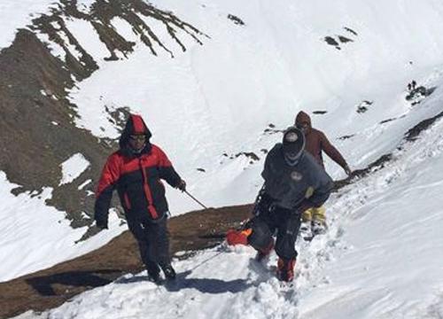 ทหารเนปาลพบศพนักปีนเขาบนหิมาลัยเกือบ40ราย