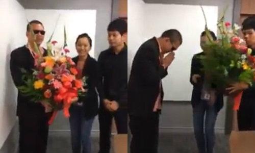 หนุ่มจากคลิปฉาวโวยแอร์ฯ หอบดอกไม้ขอขมาแล้ว