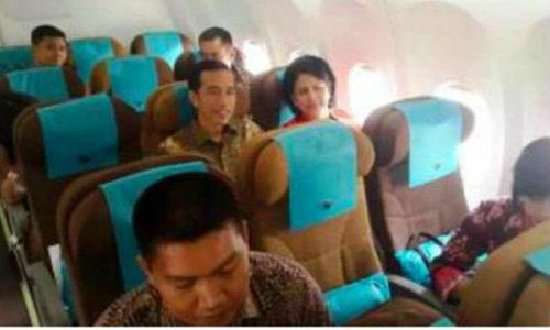 ผู้นำคนใหม่อินโดนีเซีย นั่งเที่ยวบินชั้นประหยัดไปงานลูกชายในสิงคโปร์