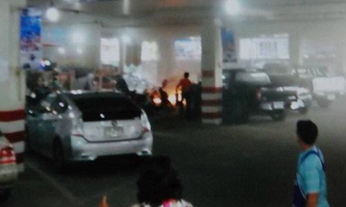 เก๋งติดแก๊สจอดสนิท แวะเข้าห้าง ไฟลุกไหม้ไร้สาเหตุ