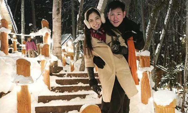 พิ้งกี้ สาวิกา ควง ไฮโซเพชร สวีตกลางหิมะที่ญี่ปุ่น