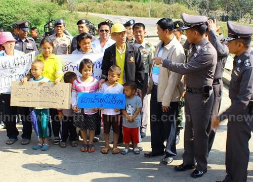 พ่อเมืองราชบุรีลุยช่วยชาวบ้านขาดน้ำกินน้ำใช้