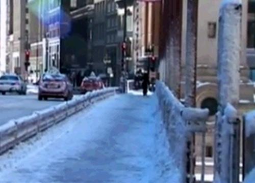 สหรัฐฯประกาศภาวะฉุกเฉินหลังพายุหิมะถล่มหนัก