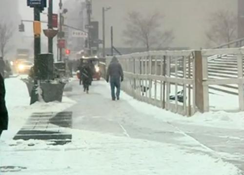 หิมะถล่มนิวยอร์กหนักสุดในประวัติศาสตร์สหรัฐฯ