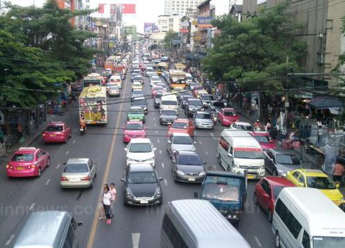 ถนนราชปรารภมุ่งหน้ามักกะสันรถติดหนาแน่น