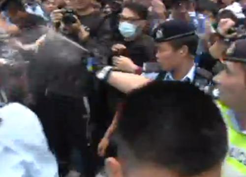 ฮ่องกงประท้วงนักท่องเที่ยวจีนรอบสามถูกจับ36ราย